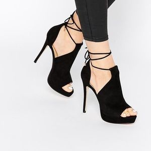Black Lace-Up High-Heels